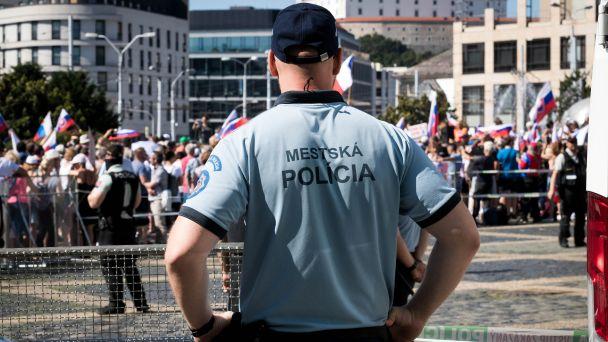 Mestskí policajti prichytili mladíka, ako šoféroval bez vodičáku (zásahy hliadok 26.7. - 1.8. 2021)